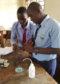 eaglessecondaryschool_students_in_chemistry-laboratory1